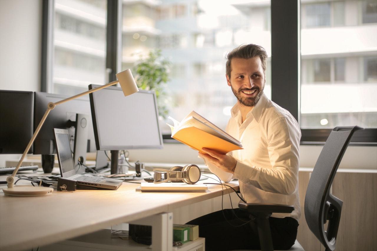 Por que o desenvolvimento pessoal é tão crucial para os empresários? (Foto de Andrea Piacquadio no Pexels)